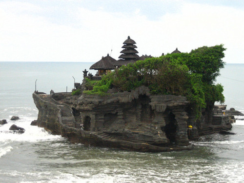 01. Tanah Lot Temple